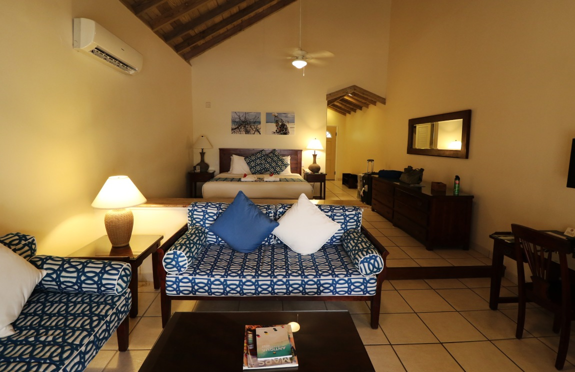 Premium Beachfront Suite 1