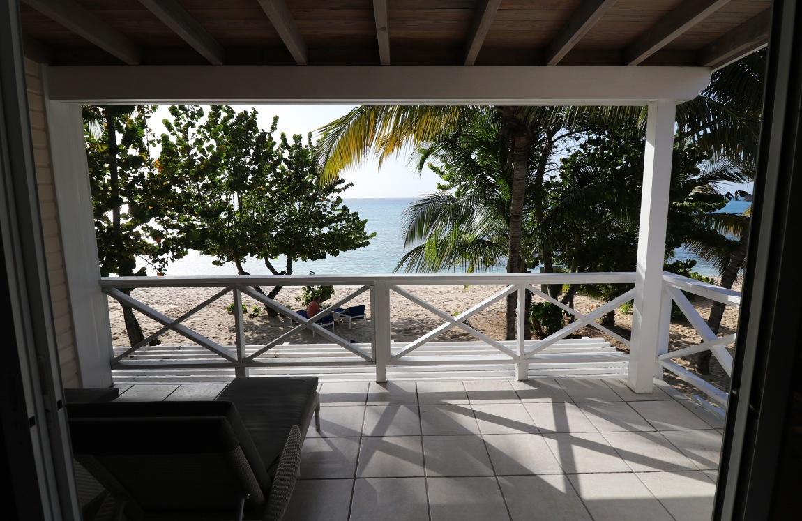 Premium Beachfront Suite 2