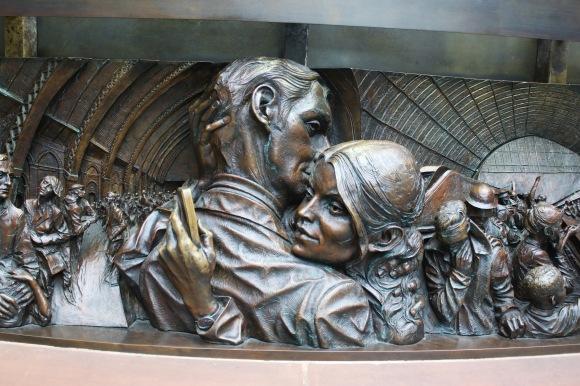 Amusing statue detail