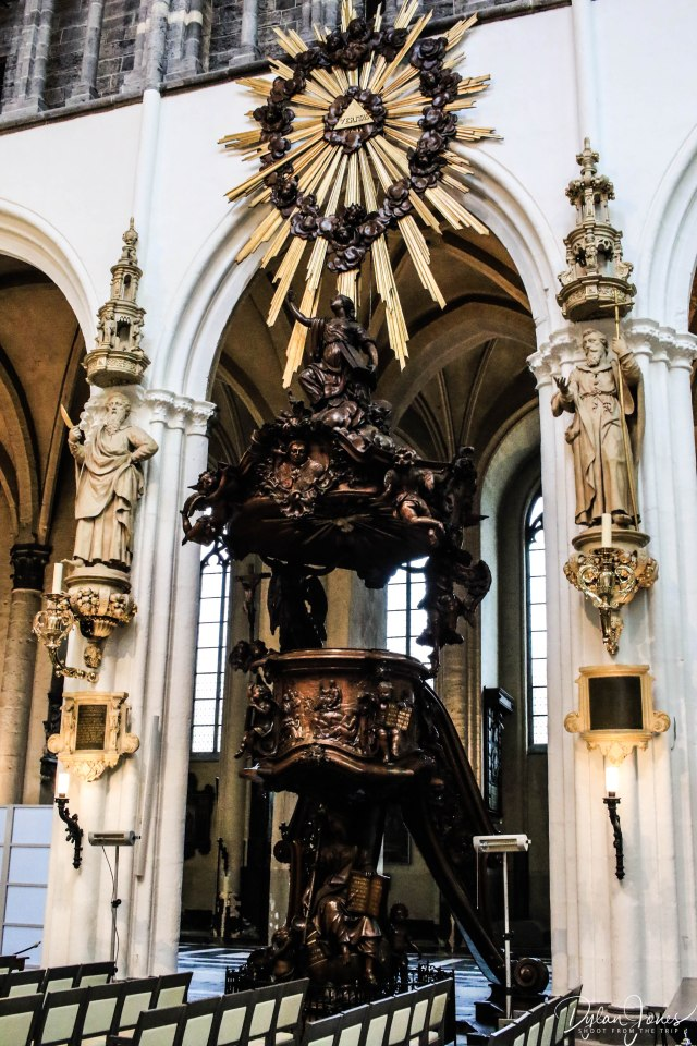 Church Lady Bruges (1)
